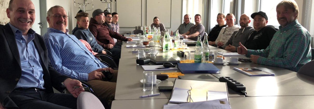 Hoy Geokunststoffe GmbH schult die ersten beiden Gabionenbauer auf zulassungskonformes Bauen